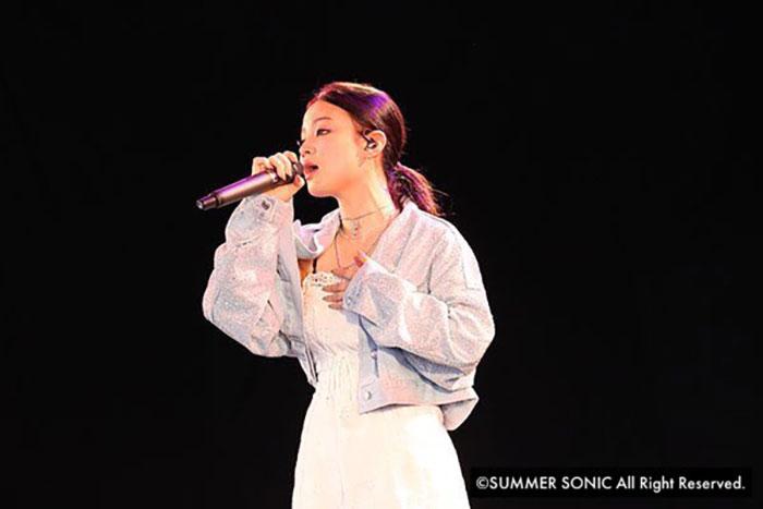 驚異の実力派 女性シンガー「LEE HI(イ・ハイ)」がSUMMER SONIC 2018にてソウルフルな歌声で観客を魅了!!