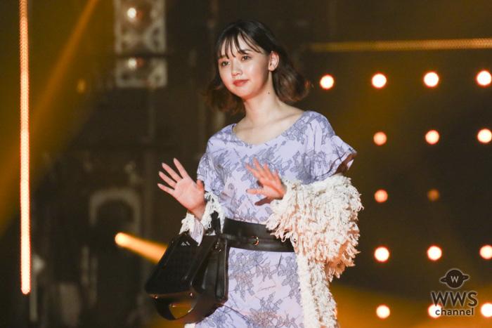 江野沢愛美が「TGC2018 A/W」のランウェイで愛され女子必携のアイテムを着こなす!<東京ガールズコレクション 2018 AUTUMN/WINTER>