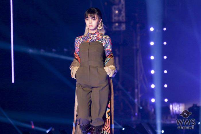 池田エライザが「ファッションショーならではの斬新なスタイルでランウェイを沸かせる!<東京ガールズコレクション 2018 AUTUMN/WINTER>