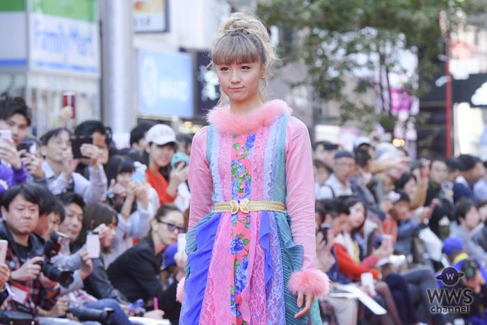 Dream Amiが「SHIBUYA RUNWAY」(渋谷ランウェイ)に登場!颯爽とレッドカーペットをウォーキング!!