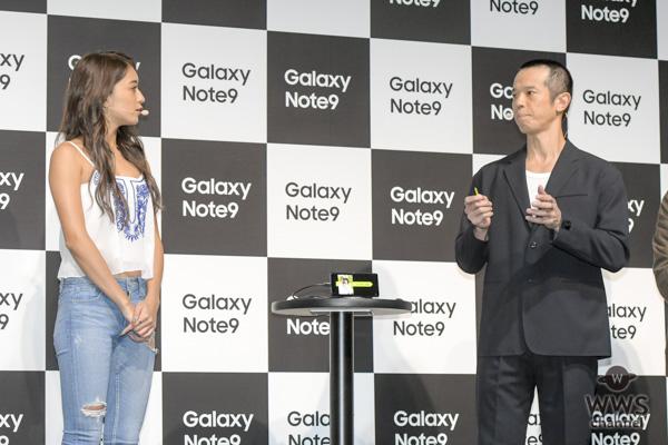 """池田美優がセクシーな""""腹チラ衣装""""で「Galaxy Note9 発売記念イベント」に出席!"""