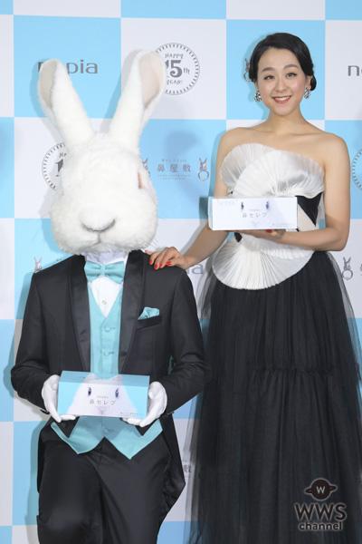 浅田真央が透け感ドレスで登場。シーズン開幕のフィギュアスケーターに「怪我なくシーズンを終えてほしい」とエール!