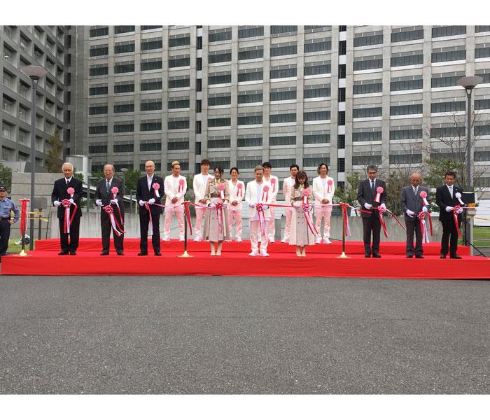 DA PUMP、NGT48・中井りか、東京拘置所「矯正展」のテープカットに出席!1万人の来場者と『U.S.A.』も!!