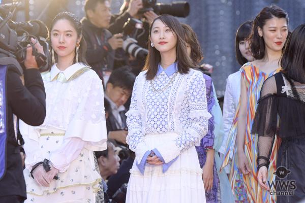 女優・松井玲奈が東京国際映画祭のレッドカーペットに登場!