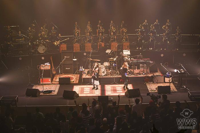 PUFFYが熊本にて無料招待のライブを開催!大ヒットアルバム『JET CD』の完全再現や、中学校日本一の吹奏楽部とコラボレーションを披露 !!