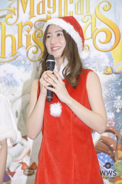 傳谷英里香が可愛すぎる白サンタコスで、クリスマスケーキを食レポ!