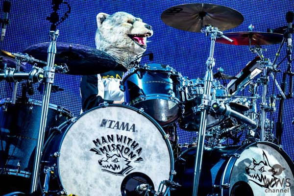 MAN WITH A MISSION、超満員45,000人の阪神甲子園球場でツアーファイナル開催!
