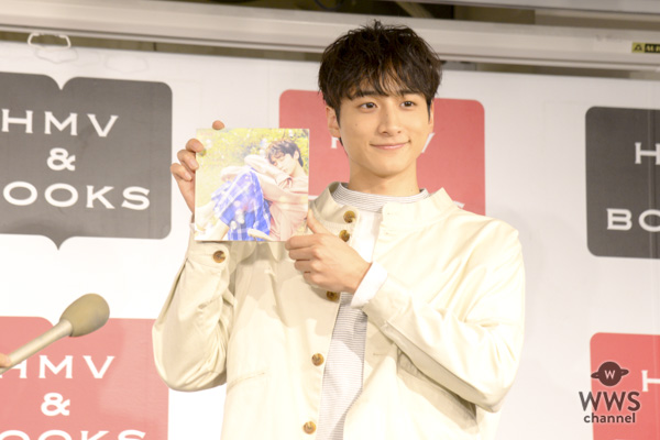 小関裕太が「ゆるえろい」カレンダーについて「キメ顔なしの色気」と無邪気な笑顔!