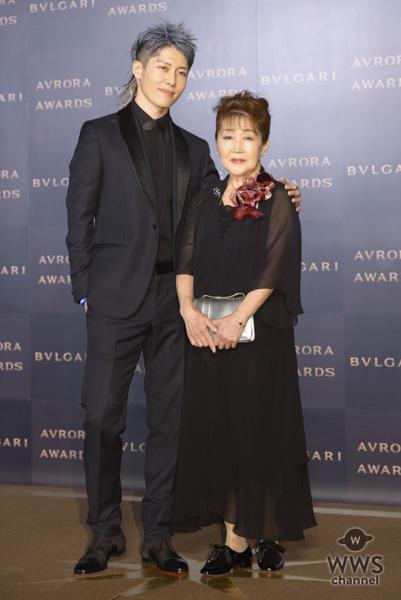 MIYAVIが母と共にブルガリのゴールデンカーペットに登場!「一人の息子として産んでくれてありがとう」