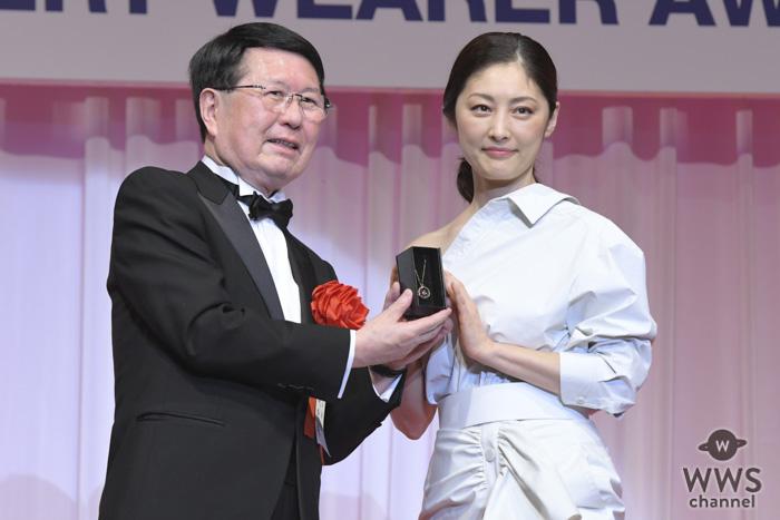 女優・常盤貴子が「第30回日本ジュエリーベストドレッサー賞」を受賞!「ジュエリーは女性にパワーを与えるアイテム」