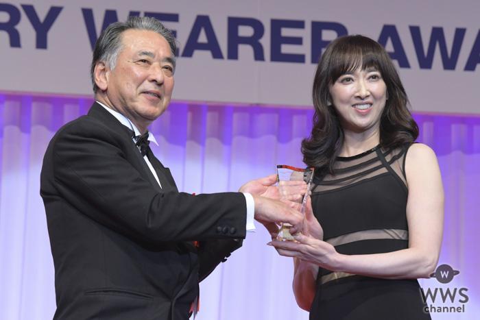 女優・紫吹淳が「第30回日本ジュエリーベストドレッサー賞」を受賞!「最高のプレゼントです」と感激!!