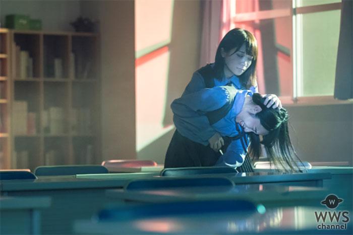 乃木坂46・秋元真夏演じる西条亜須未が何かに取り憑かれたような形相で襲い掛かる、衝撃の場面写真が解禁!