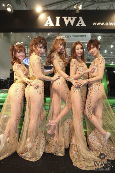 武田智恵、LISAらが大胆露出のセクシー衣装で「AIWA」ブースに登場!<東京オートサロン2019>