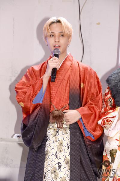 XOX (キスハグキス)バトシン、赤い振袖姿で「振袖TEENS」お披露目イベントに登場!