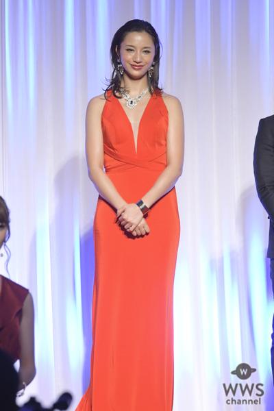 高橋メアリージュンが大胆セクシー衣裳で「K-1 AWARDS (アウォーズ) 2018」に登場!