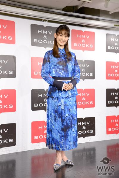 元宝塚の女優・愛希れいか、初のカレンダーの出来栄えは68点!?「もっといいものを撮りたい」と意欲!!