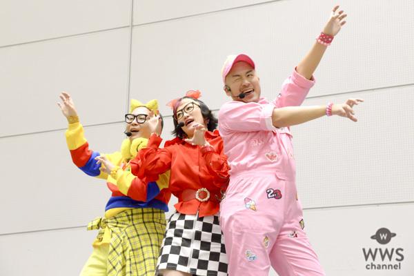 吉本坂46が初の握手会を開催!3,000人の観客を前にミニライブを開催!!