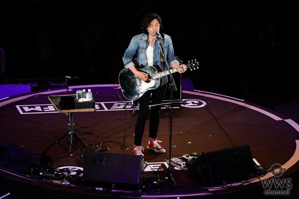 【ライブレポート】斉藤和義、J-WAVE・トーキョーギタージャンボリーに登場。究極のラブソング『歌うたいのバラッド』で会場を甘く包み込む!<30th J-WAVE TOKYO GUITAR JAMBOREE>