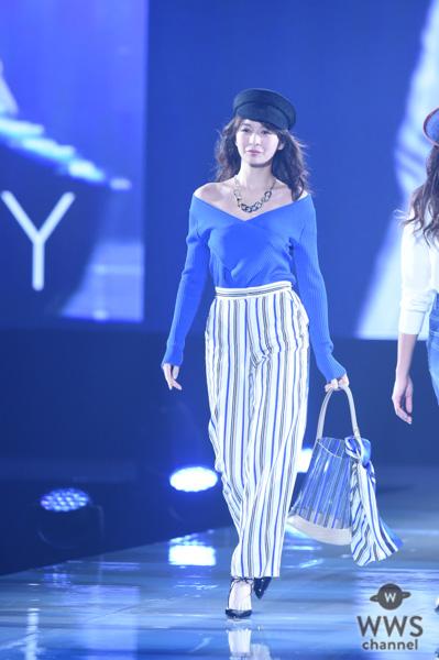 9頭身モデル朝比奈彩がVICKYステージトップバッターで登場!<神戸コレクション 2019 SPRING/SUMMER-ガールズフェスティバル->