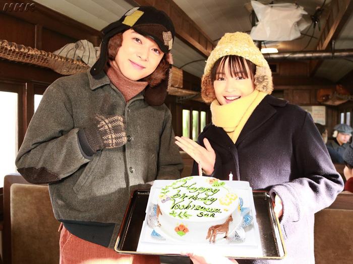 広瀬すず、『なつぞら』共演の吉沢亮の誕生日を祝う!「もう国宝です」「私もケーキ運んでもらいたい」の声も!