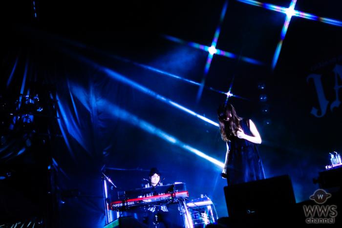 【ライブレポート】Aimerが大ヒット曲『I beg you』を熱唱!聴く人を魅了する歌声を披露 <JAPAN JAM 2019>