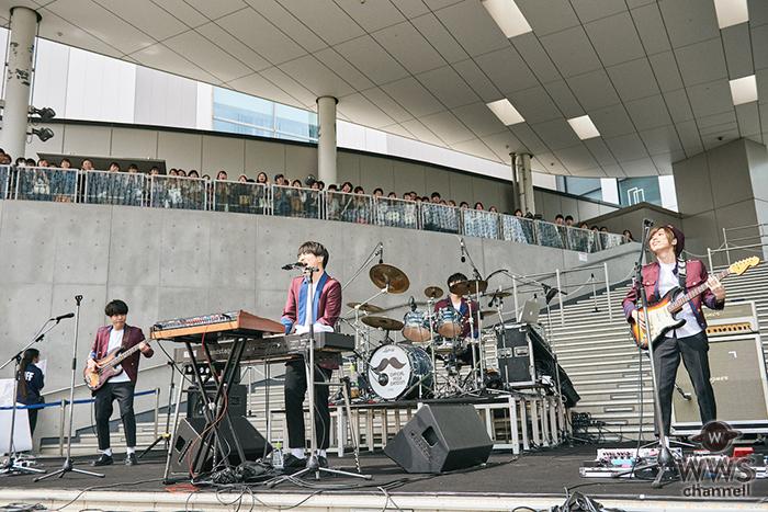 Official髭男dism、ダイバーシティ東京プラザにて配信チャートで11冠を獲得した「Pretender」発売記念フリーライブを開催!5,000人のファンが集結!