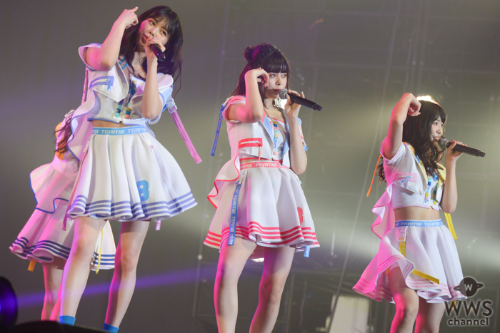 AKB48 チーム8がTSCに初出演!『フライングゲット』『言い訳Maybe』を熱唱!!<東京ストリートコレクション>