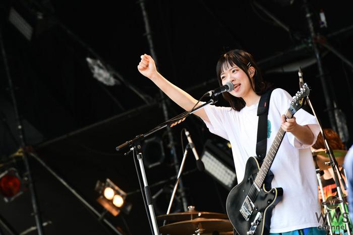 【ライブレポート】SHISHAMOが雲ひとつない青空の下で爽やかなステージを披露!「メトロック 2019」のWINDMILL FIELDに登場!