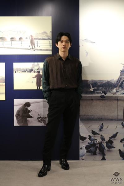 俳優・吉沢亮が3rd写真集『Departure』の発売を記念して写真展を開催!