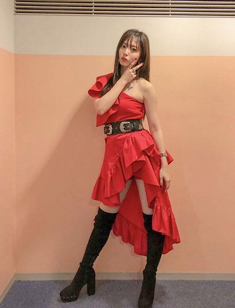 鈴木愛理がソロ1stシングル『Escape』をセクシーなダンスで魅せる!<テレ東音楽祭2019>