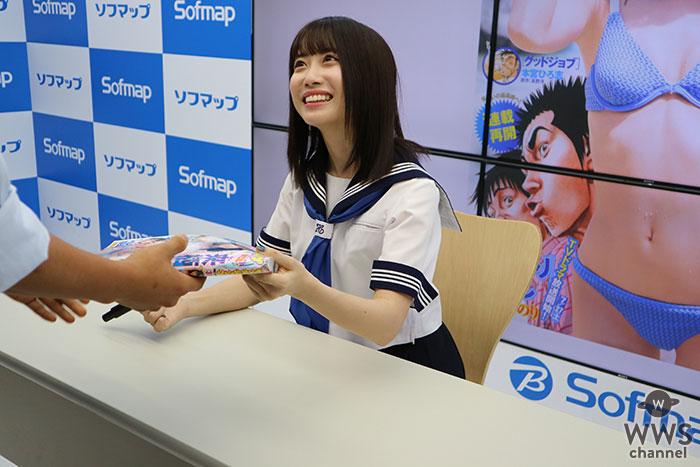 日本イチ制服が似合う女の子来栖りん、一足先に夏セーラー服を披露!