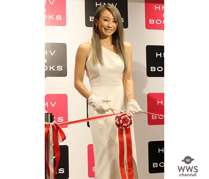 「HMV&BOOKS OKINAWA」オープン記念イベントに倖田來未が登場!