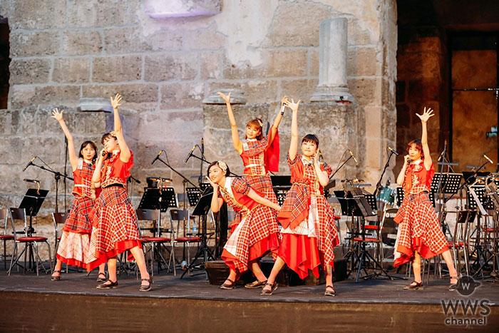 エビ中、トルコ・世界最古の現役コンサートシアターでプレミアムライヴ!