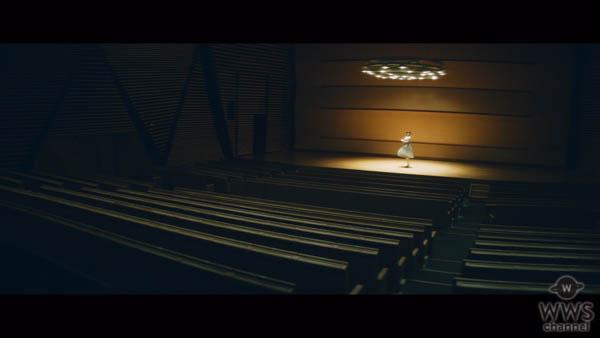 欅坂46・平手友梨奈のソロ曲「角を曲がる」MVが突如公開!
