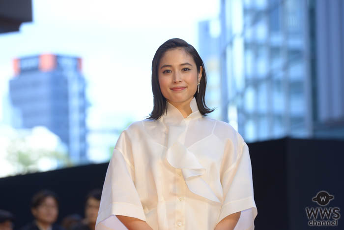 広瀬アリスが「第32回東京国際映画祭」フェスティバル・ミューズとしてレッドカーペットに登場!