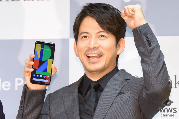 V6・岡田准一、「携帯の新しい時代が始まる」!ソフトバンク新型スマホ「Google Pixel 4」の感想語る