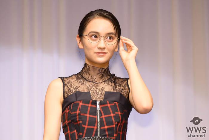 女優・岡田結実「メガネが、小さい頃から大好き」!芸能界部門で「第32回 日本 メガネ ベストドレッサー賞」受賞!