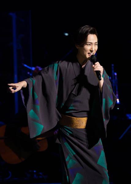 山内惠介、5大都市ツアーのファイナルを東京国際フォーラムで開催!