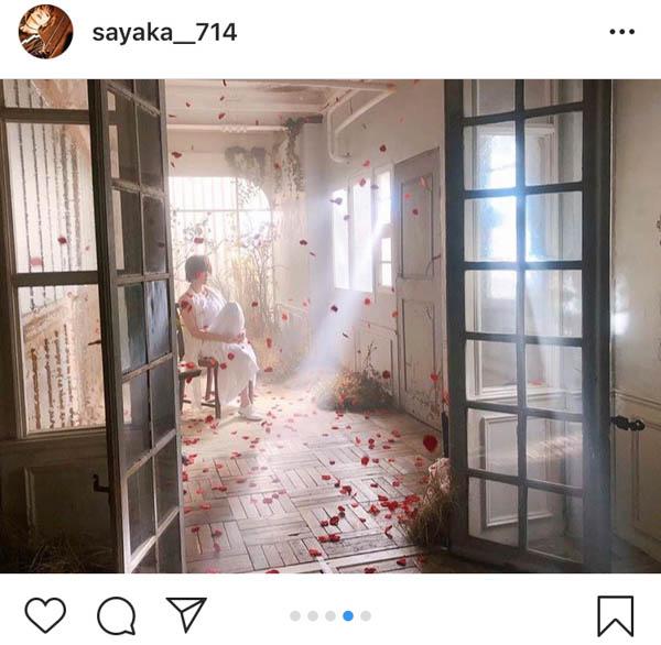 山本彩が新曲『追憶の光 』MVオフショット公開!純白の衣装に「かっくい〜!」「美しすぎます」と称賛の声