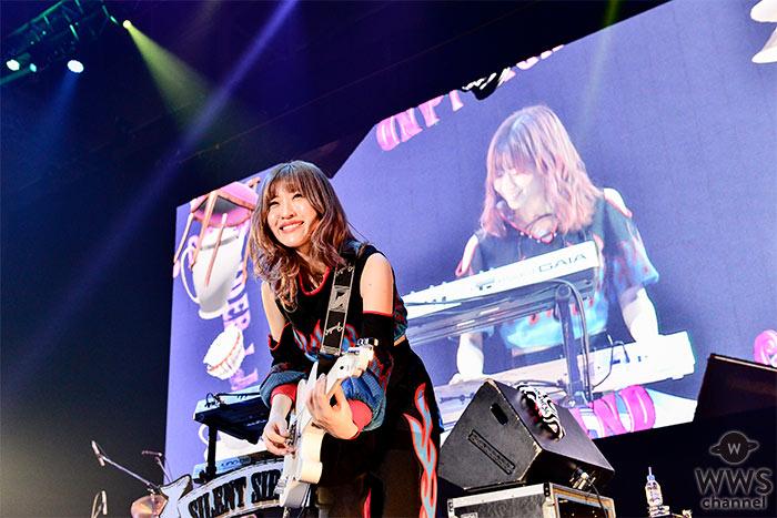 【ライブレポート】ガールズバンド・SILENT SIRENが、COUNTDOWN JAPAN 19/20で怒涛の40分ノンストップライブ!