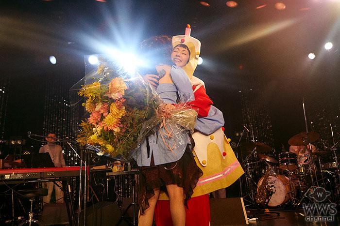 Charaのバースデーライブのお祝いにHIMI&SUMIREに木村カエラもかけつけた!