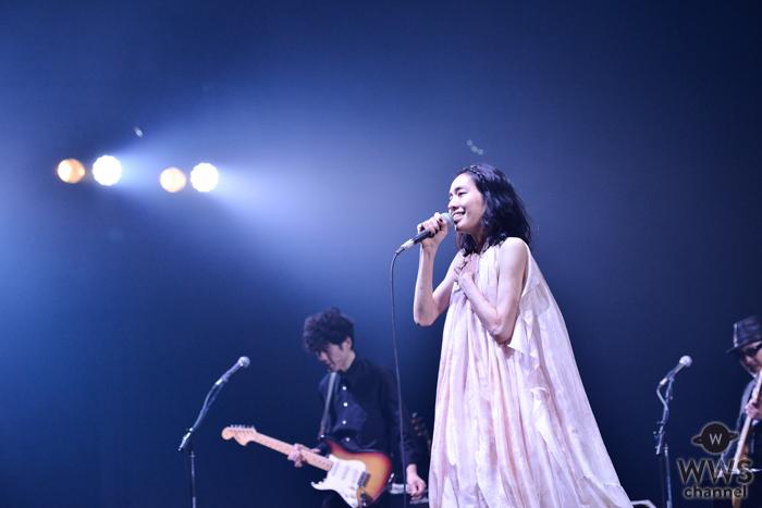 【ライブレポート】Coccoが魅せつけた、強く美しい揺るがない概念<COUNTDOWN JAPAN 19/20>