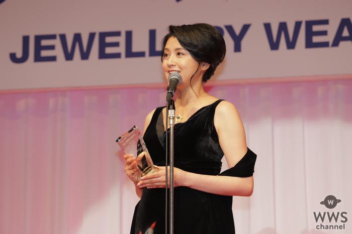 藤原紀香が「第31回日本ジュエリーベストドレッサー賞」40代部門を受賞!