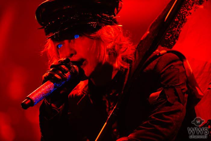 【ライブレポート】HYDEがCDJ 19/20に瞳を怪しく光らせて登場!現在進行形の姿からラルクの『HONEY』まで歌いつくす!<COUNTDOWN JAPAN 19/20>