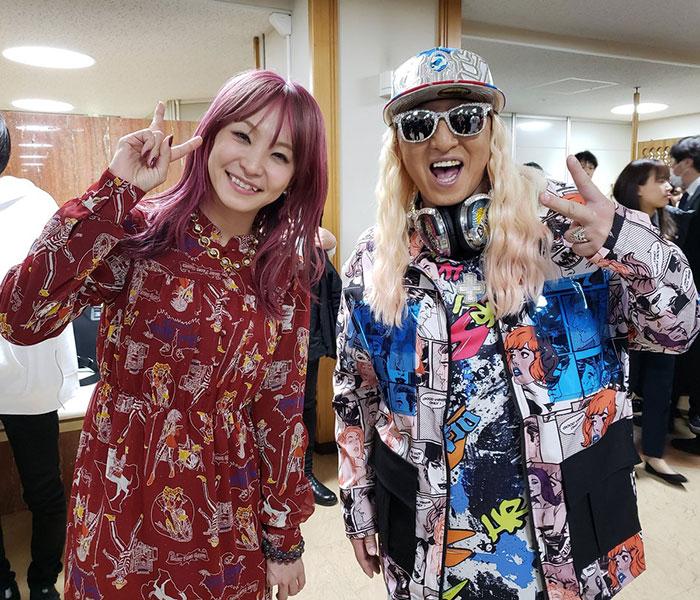 DJ KOOがLISAとのNHK紅白スペシャルショットを蔵出し公開!「凄いツーショット!」「最KOOです」