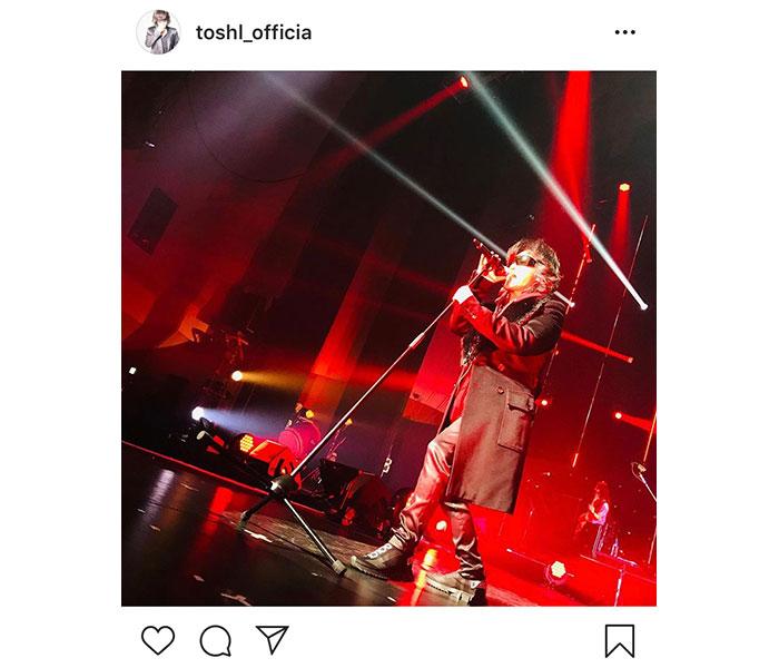 Toshl、『艦これ』イベントで紅に燃え上がるステージショット掲載!「なんてカッコいいの」「魂の震える歌声をありがとう」