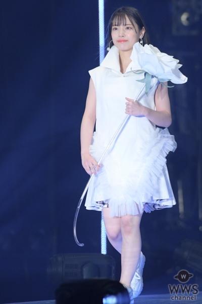 荻野由佳、下尾みう、岩田陽菜が「東京ガールズコレクション」蜷川実花プロデュースステージでランウェイ!<TGC 2020 S/S>