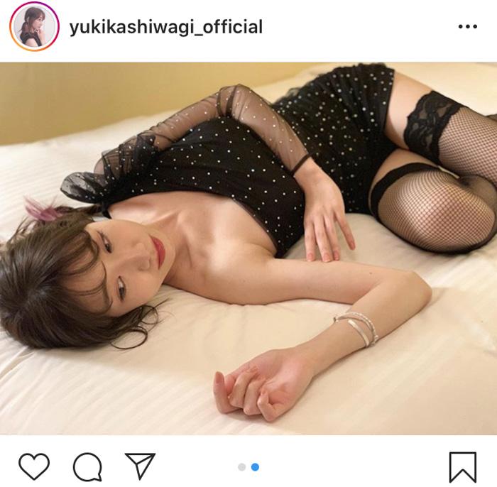 AKB48 柏木由紀、網タイツからの絶対領域を披露!「刺激強すぎます」「眼が幸せ!!!」