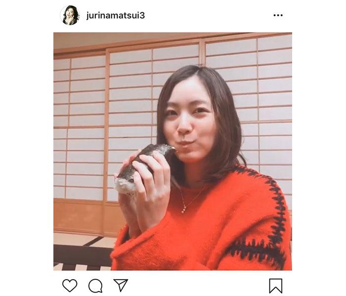 SKE48 松井珠理奈、すっぴんで恵方巻きにかぶりつき!「幸せな気分になる」「ずっと見ていられる」