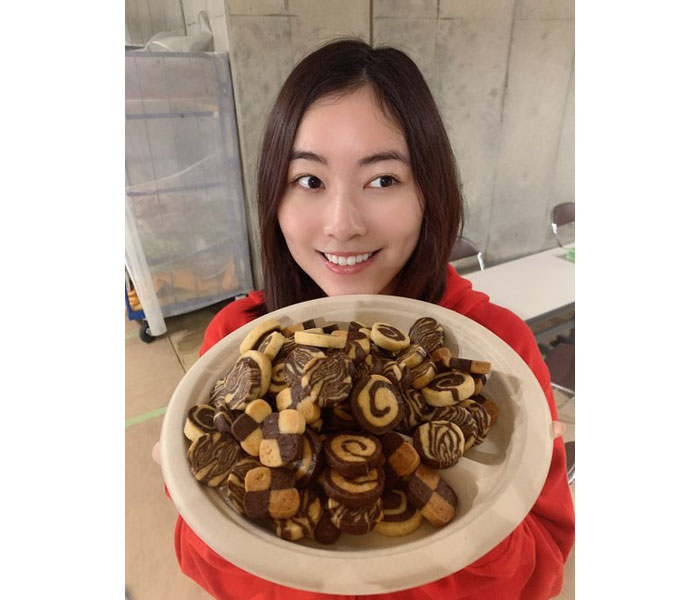 SKE48 松井珠理奈がバレンタインに手作りクッキー写真を投稿!「美味しそう」「とてつもない女子力」
